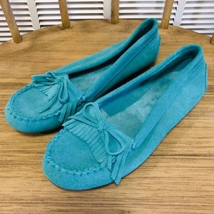 NWOT! Minnetonka Turquoise Suede Moccasins Sz. 9.5